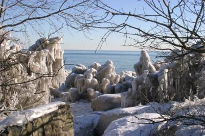 A winter wonderland of ice on lake Ontario.